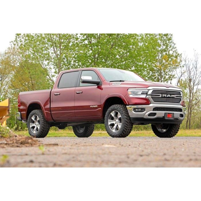 4 Inch Lift Kit For Dodge Ram 1500 4wd >> Rough Country 2019 Dodge Ram 1500 4wd 3 5in Bolt On Lift Kit With